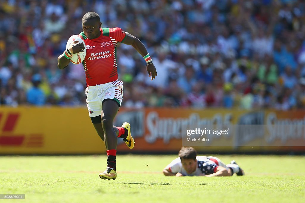 Bush Mwale of Kenya breaks away to score a try during the 2016 Sydney Sevens plate semi final match between Kenya and the United States of America at Allianz Stadium on February 7, 2016 in Sydney, Australia.