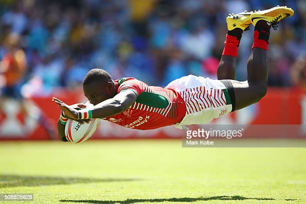 Bush Mwale of Kenya dives over to score a try during the 2016 Sydney Sevens playte semi final match between Kenya and the United States of America at...