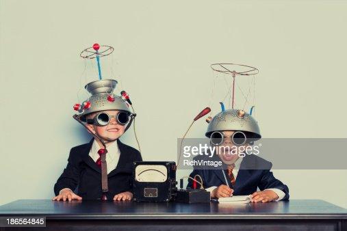 男に合わせてビジネスの服装リーティングヘルメット