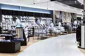 ビジネス服の店