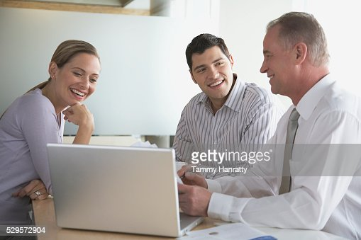 Business colleagues working together : Stock-Foto