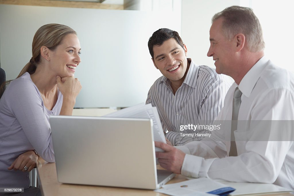 Business colleagues working together : Stockfoto