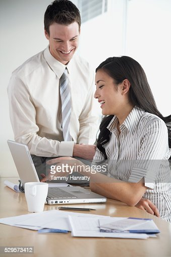 Business colleagues working together : Foto stock