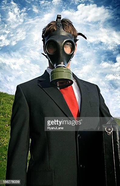 Homem de negócios em ambiente Tóxico