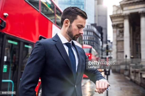 Affaires en déplacement dans la ville de Londres