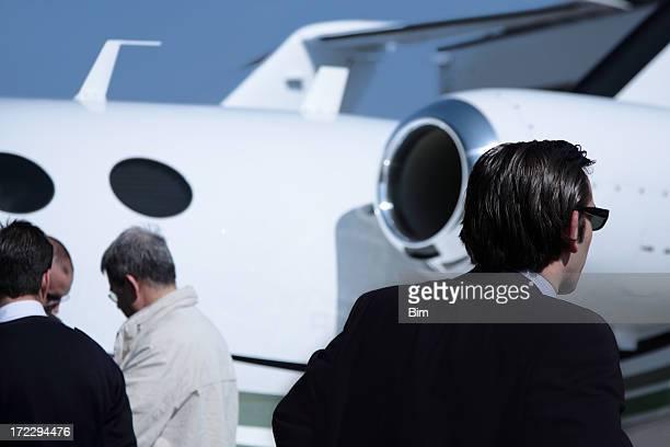 Geschäftsleute und Jet