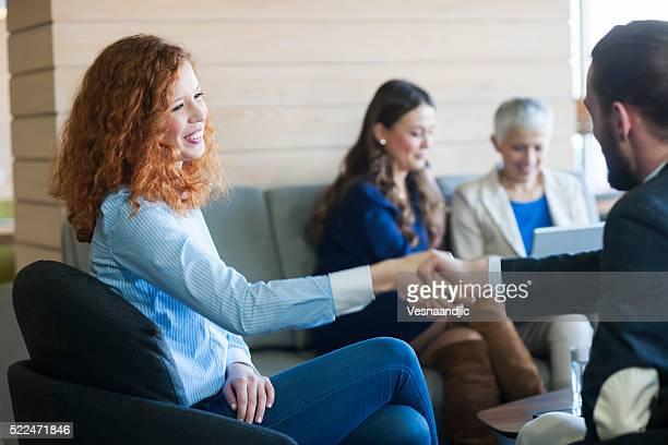 Geschäft Personen im Café