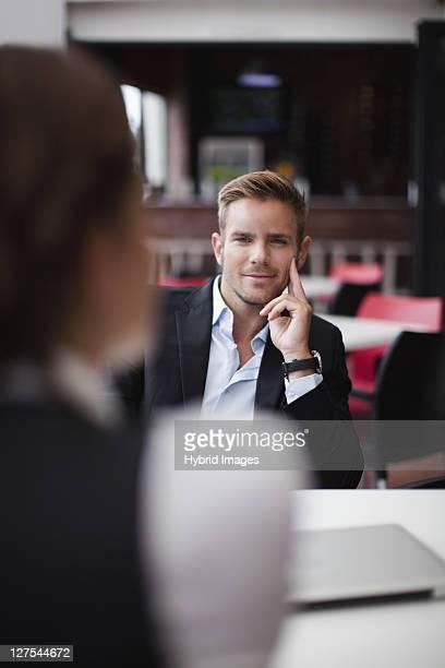 Business persone a pranzo insieme