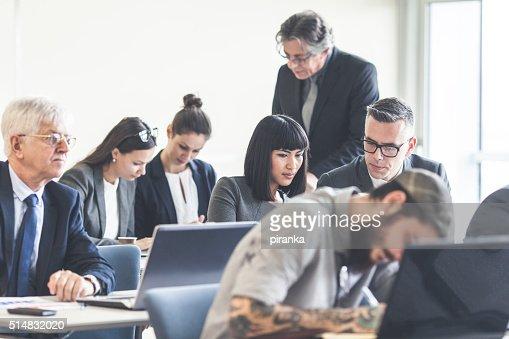 Business chi partecipa a un seminario
