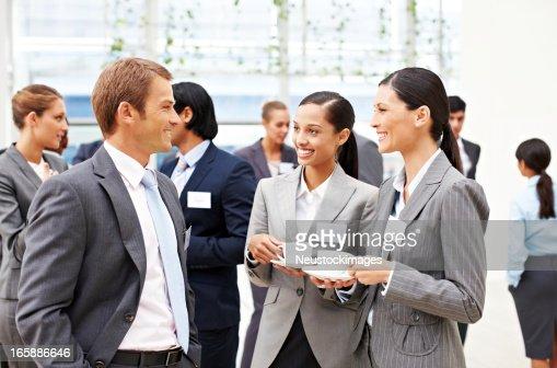 ビジネス人々 Conversing では、コンファレンス