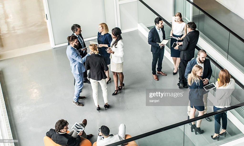 Geschäftsleute, die Tagung : Stock-Foto