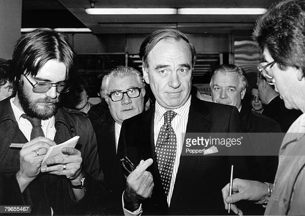 1981 Rupert Murdoch centre about to become the new owner of Times Newspapers pictured in London during his negotiations with the print unions