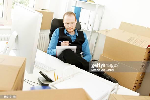 Affaires démarrage, pensant à son premier emploi