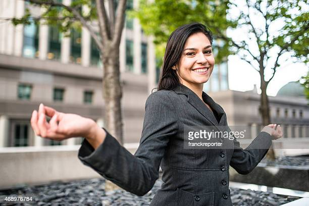 business Frau tun yoga im park