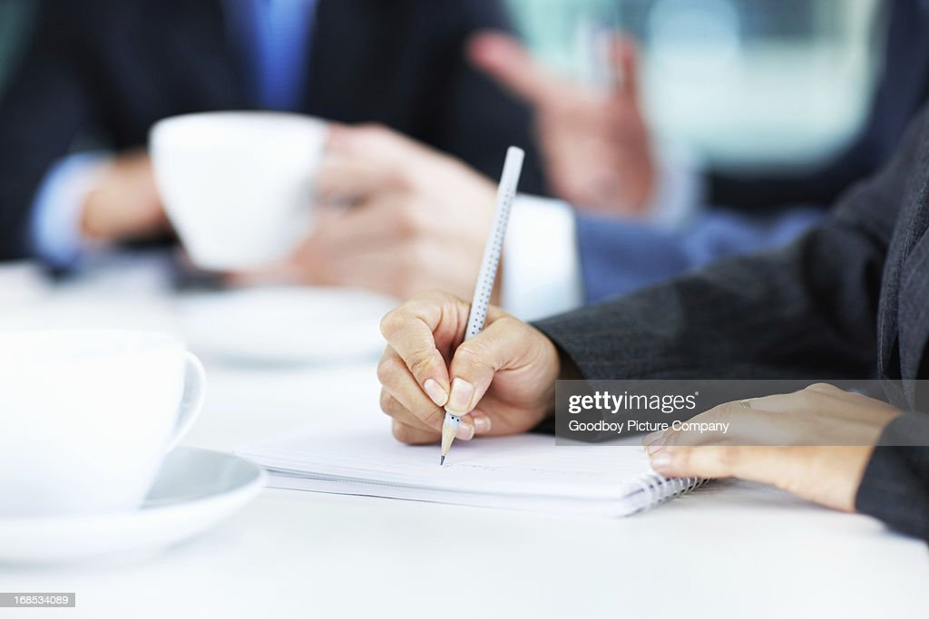 how to take notes during meetings