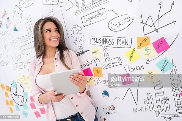 Business-Frau, die einen tablet PC