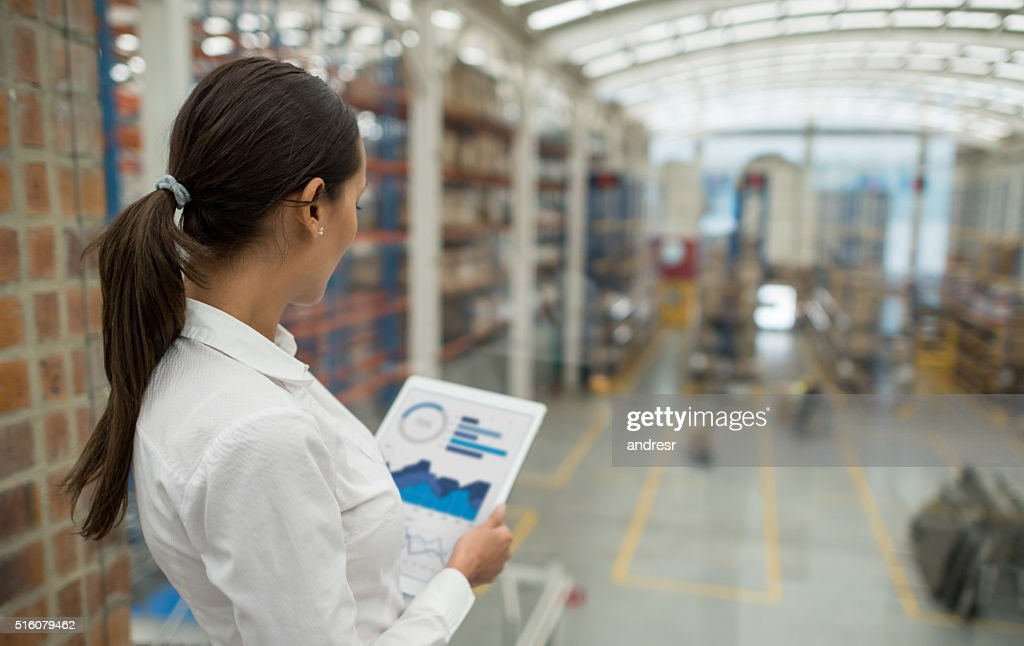 Business woman working on freight transportation : Stock-Foto