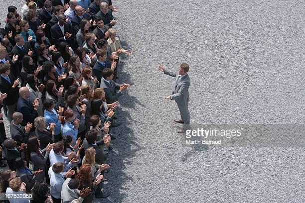 Empresário resolver Bater Palmas crowd (expressão inglesa)