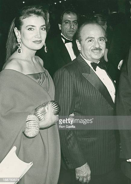 Businessman Adnan Khashoggi and date Virginia Warner attend the opening of 'La Traviata' by Frano Zeffirelli on October 16 1989 at the Metropolitan...