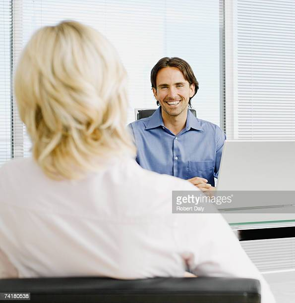 Geschäftsmann und -frau meeting