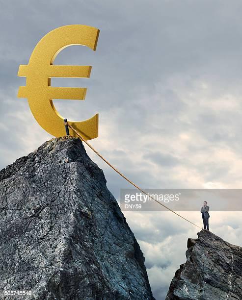 Geschäftsmann angesichts der Gefahr einer finanziellen Nutzens