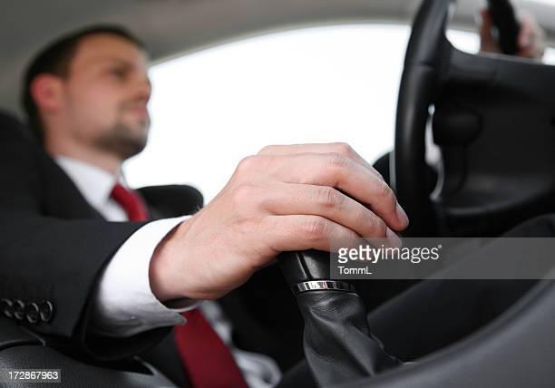 Geschäftsmann mit dem Auto