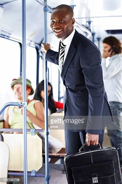 Geschäftsmann, arbeiten mit dem bus