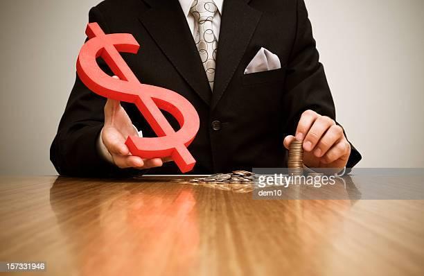 Homme d'affaires de confier un Symbole du dollar