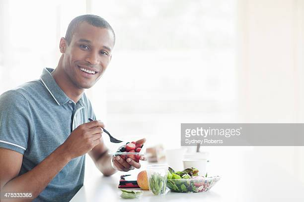 Businessman having lunch in cafe