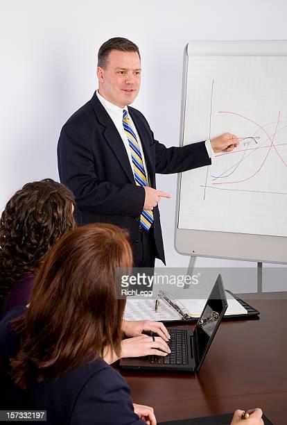 Homme d'affaires dans une salle de réunion