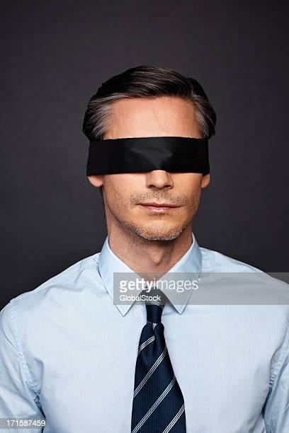 Geschäftsmann zeigt vision