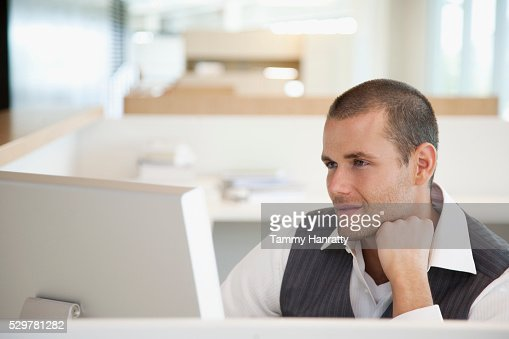 Businessman using computer : Stock-Foto