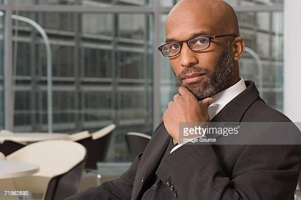 Homme d'affaires portant Lunettes de vue