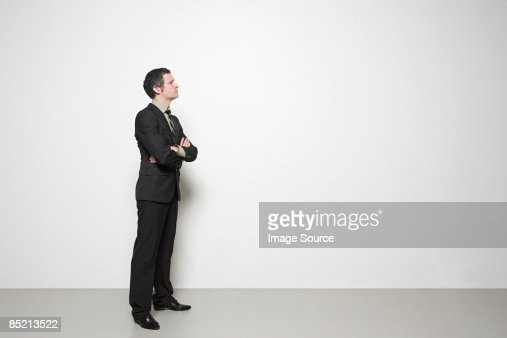 Businessman with arms crossed : Bildbanksbilder