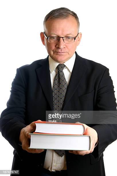 Geschäftsmann mit Büchern