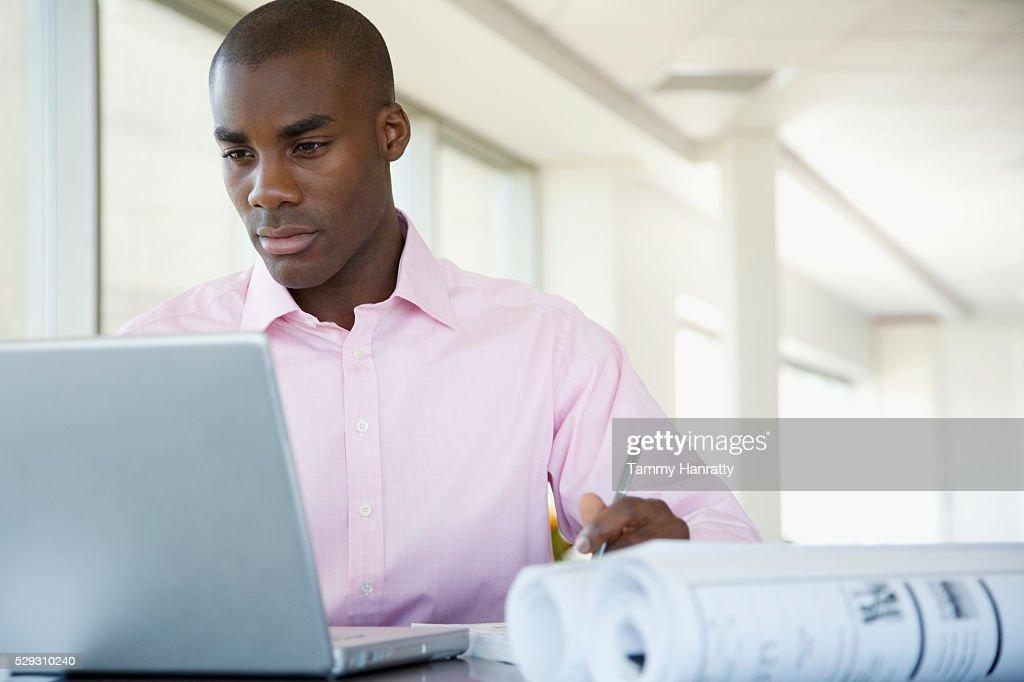 Businessman working : Bildbanksbilder