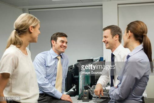 Businesspeople having duscussion : Stock Photo