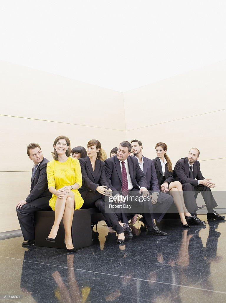 Geschäftsleute starren im einzigartigen co-worker : Stock-Foto