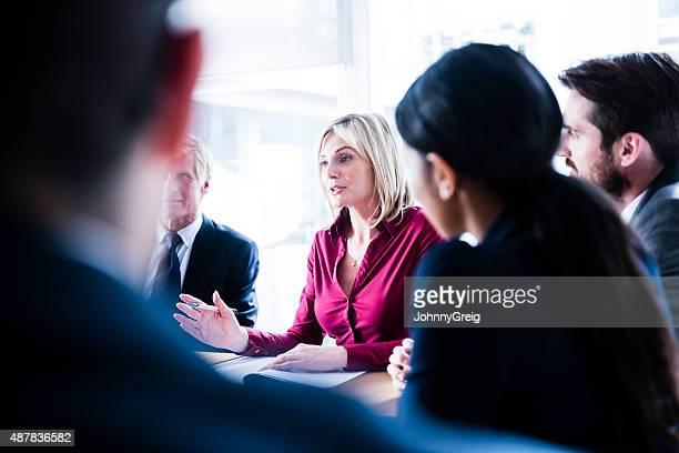 Geschäftsfrau bei der Arbeit im business-meeting