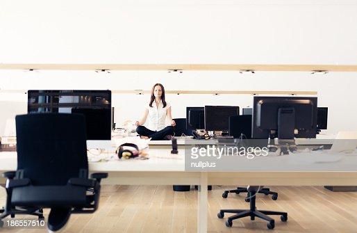 zen bureau photos et images de collection getty images. Black Bedroom Furniture Sets. Home Design Ideas