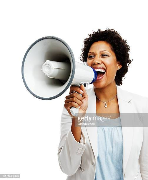 Geschäftsfrau hält ein Megafon