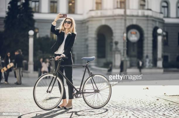 自転車、Selfie、実業家