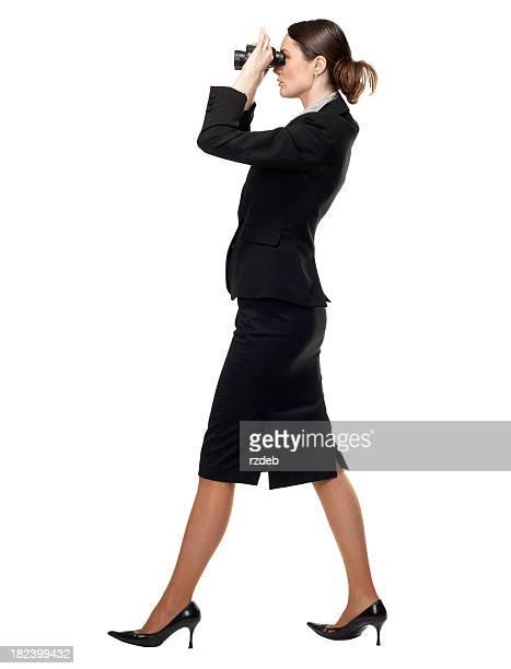 Geschäftsfrau mit dem Fernglas-Suche