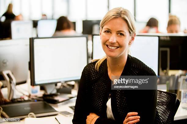 Geschäftsfrau mit headset.