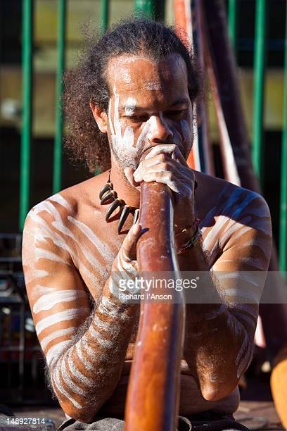 Busker playing didgeridoo at Circular Quay.