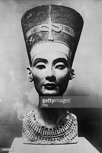 Bust of Queen Nefertiti (B&W)