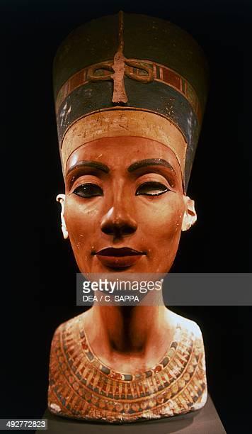 Bust of queen Nefertiti wife of pharaoh Akhenaten Egyptian civilization New Kingdom XVIII Dynasty Berlin Ägyptisches Museum Und Papyrussammlung