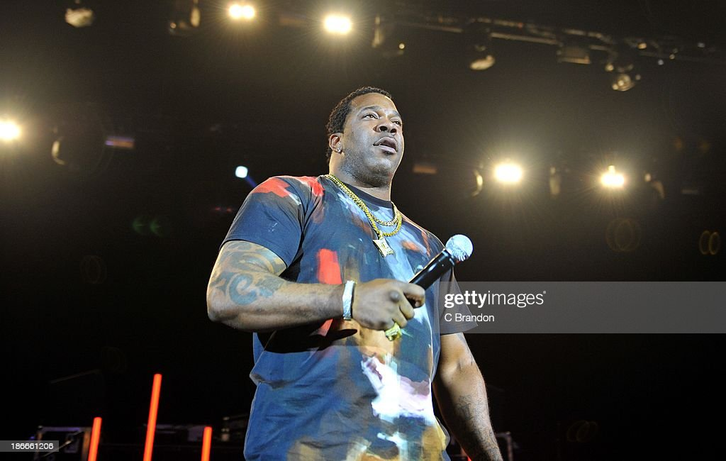 <a gi-track='captionPersonalityLinkClicked' href=/galleries/search?phrase=Busta+Rhymes&family=editorial&specificpeople=208120 ng-click='$event.stopPropagation()'>Busta Rhymes</a> performs on stage during the Superstars Of Hip Hop concert at Eventim Apollo, Hammersmith on November 2, 2013 in London, United Kingdom.