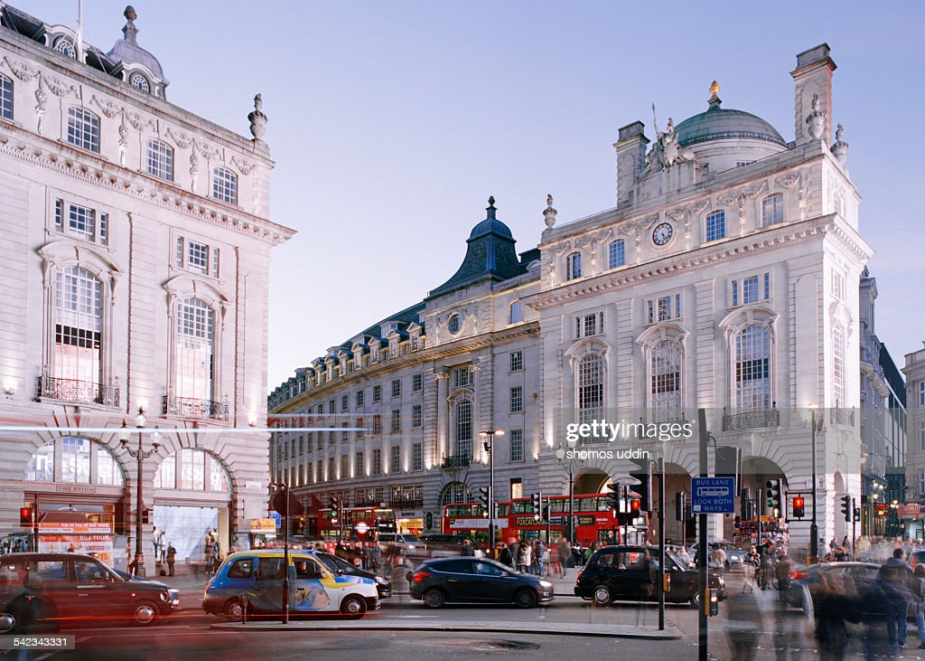 Bustling streets in London Piccadilly Circus