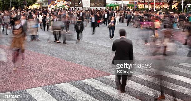 にぎやかな通りの東京,日本